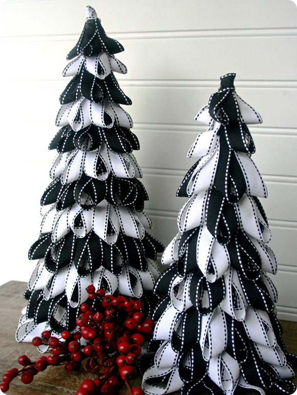 Ribbons-Christmas-Tree