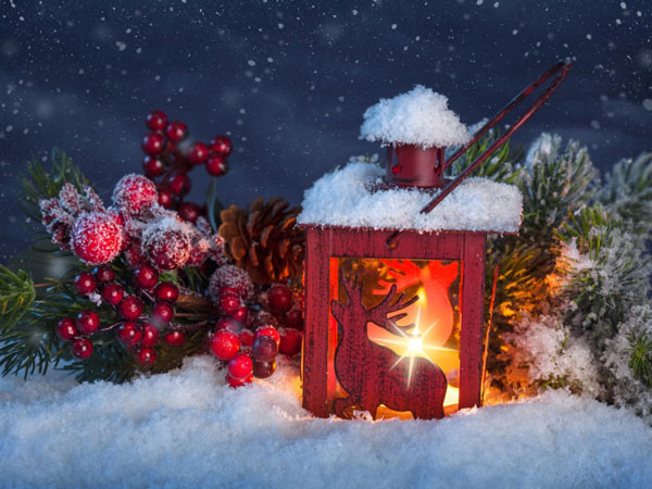Christmas-Light-and-Ornaments-Wallpaper