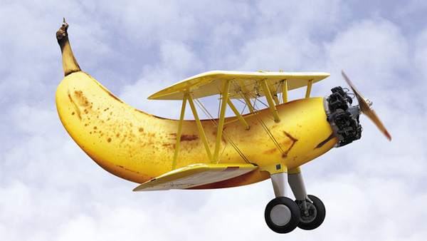 30-Photo-Manipulation-banana-plane