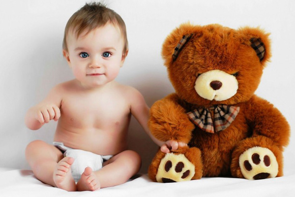 Baby-with-Teddy-Bear