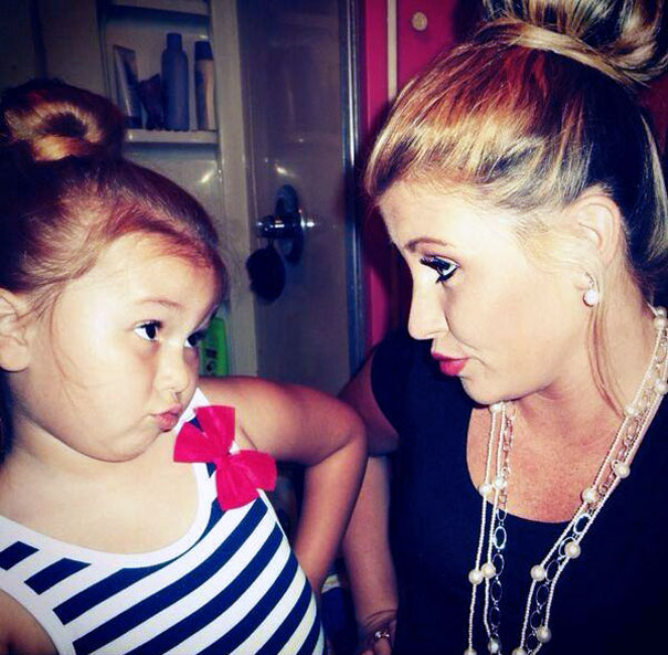 like-mother-like-daughter-funny-photography-17