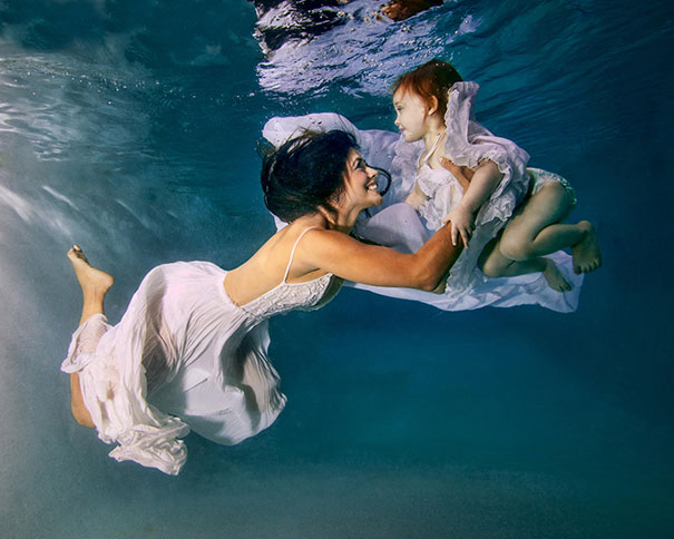 like-mother-like-daughter-funny-photography-9