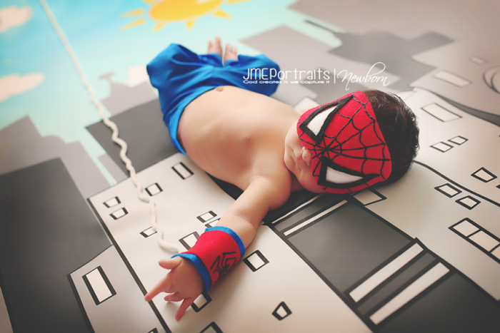 geeky-newborn-baby-photography-11