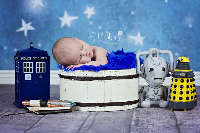 geeky-newborn-baby-photography-18