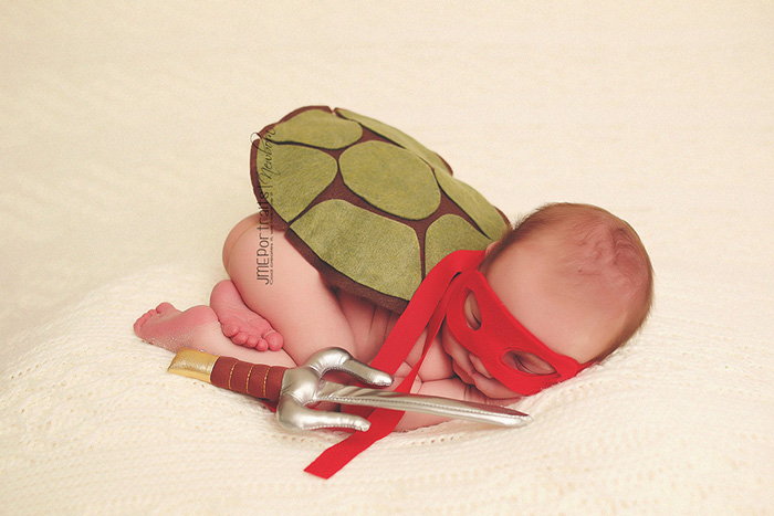 geeky-newborn-baby-photography-21