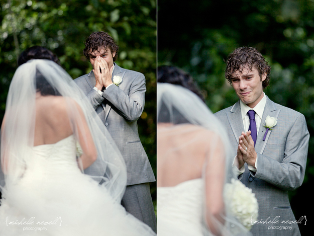 Groom see bride first time on Wedding day photos 3