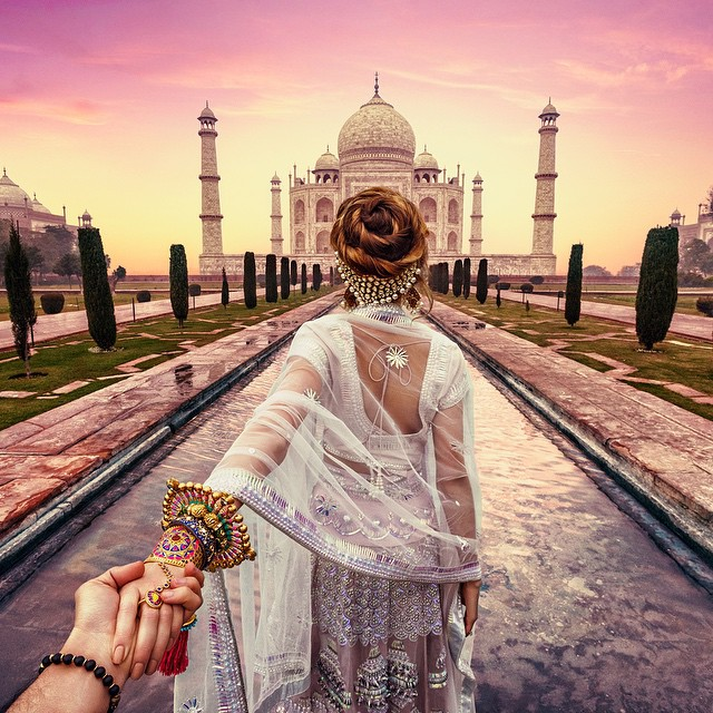 Photographer Follows Girlfriend Goes To Beautiful Indian Landmarks 1
