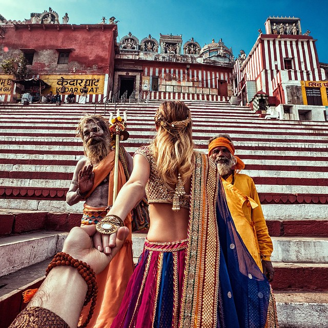 Photographer Follows Girlfriend Goes To Beautiful Indian Landmarks 3