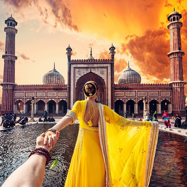 Photographer Follows Girlfriend Goes To Beautiful Indian Landmarks 6