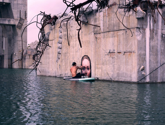 Stunning Seaside Murals While Balancing on His Paddle Board-5