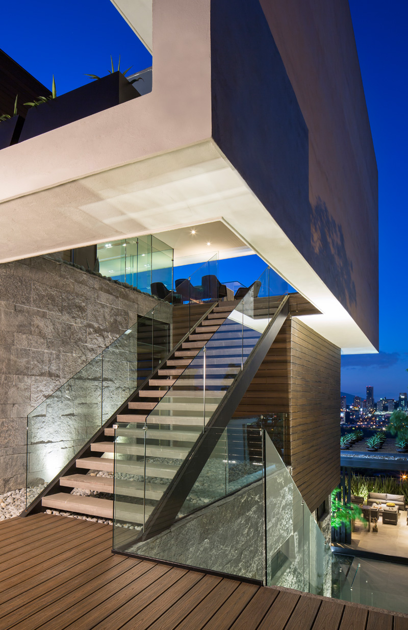MT House with an Amazing City View in Monterrey Mexico 11