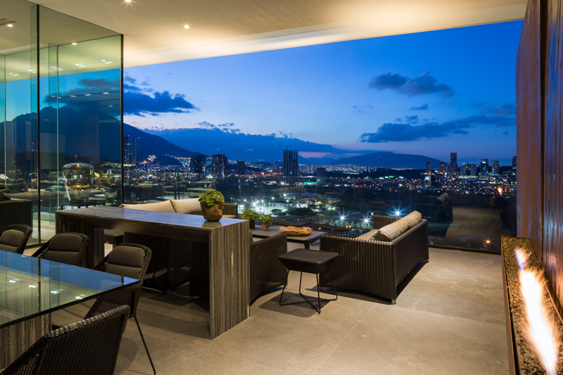 MT House with an Amazing City View in Monterrey Mexico 2