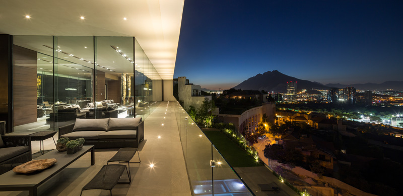 MT House with an Amazing City View in Monterrey Mexico 3