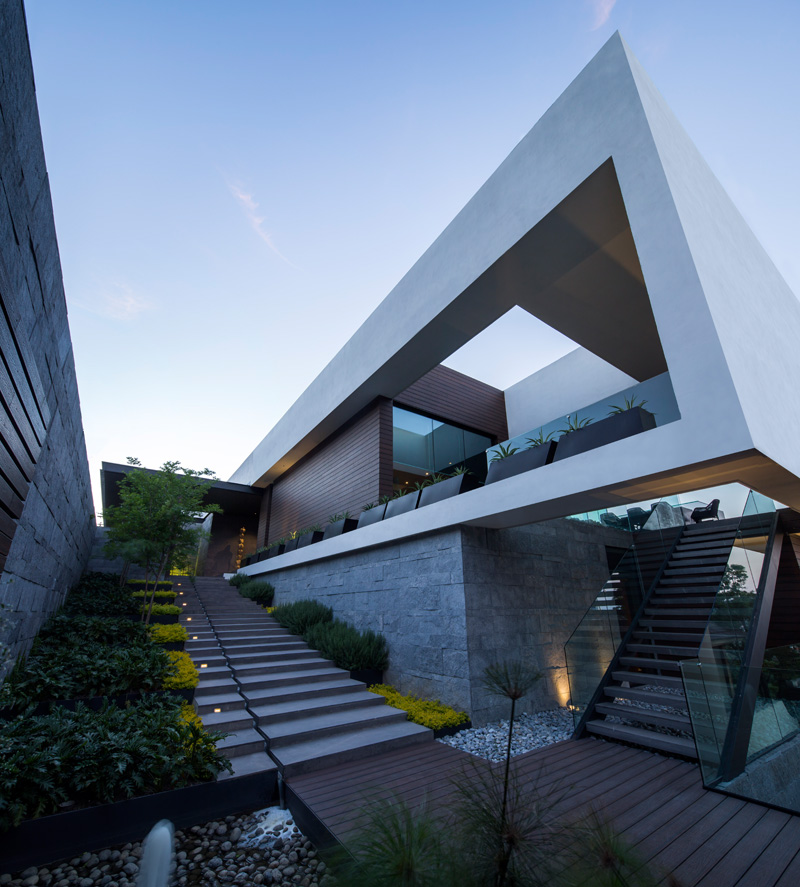MT House with an Amazing City View in Monterrey Mexico 6