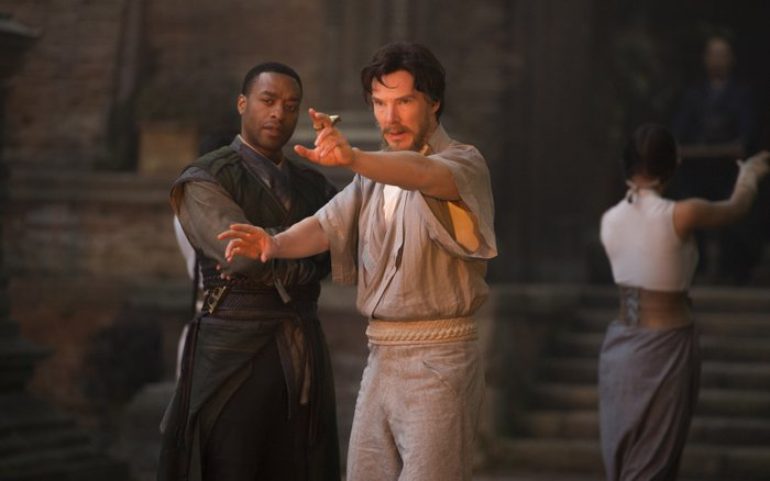 Marvel's DOCTOR STRANGEL to R: Mordo (Chiwetel Ejiofor) and Doctor Stephen Strange (Benedict Cumberbatch)Photo Credit: Jay Maidment©2016 Marvel. All Rights Reserved.