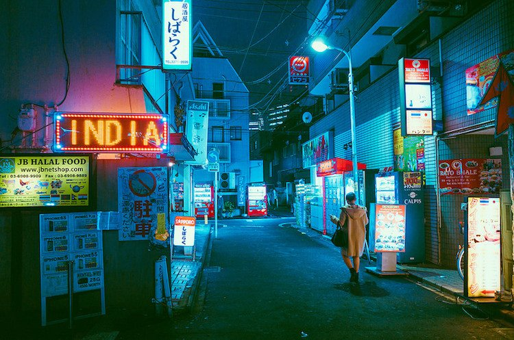 Astonishing Photos of Tokyo City Night Show Saturated in Neon Lights