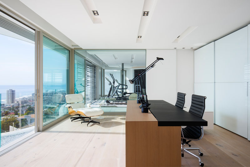 Modern Lions View House By ARRCC and SAOTA