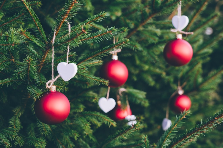 20 Lovely Free Backgrounds for Christmas Cards Design