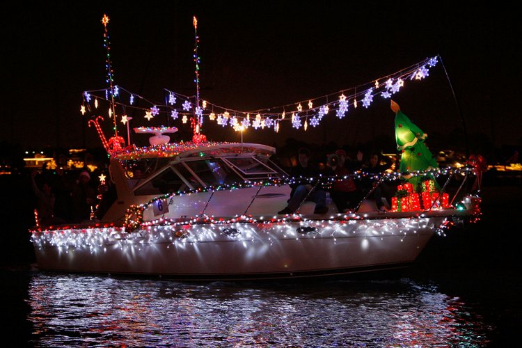 25 Best Christmas Towns in Dyker Heights, Brooklyn USA