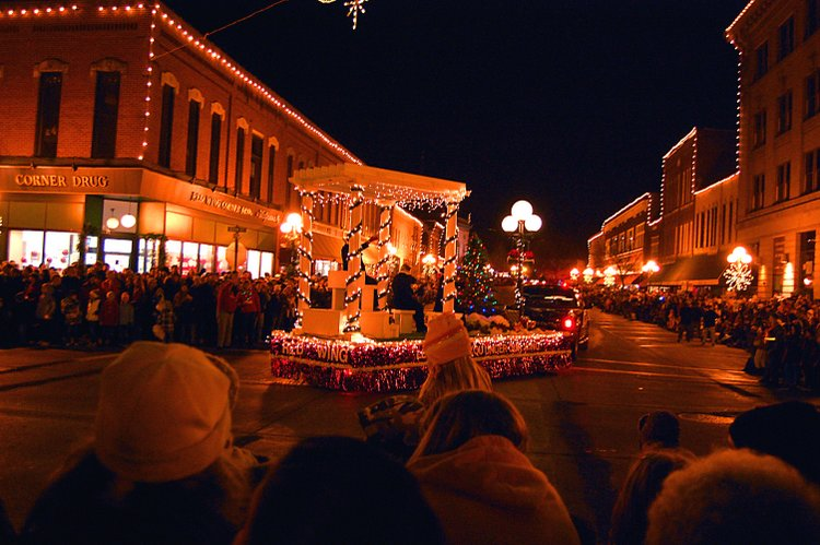 25 Best Christmas Towns in Red Wing, MN USA
