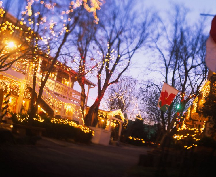 25 Best Christmas Towns in Taos, NM USA 15