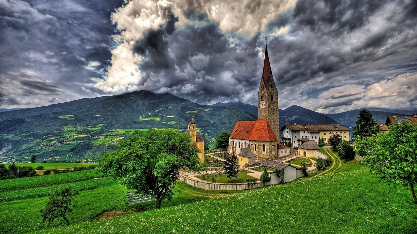 Saint Michael Church Brixen Wallpaper-1366x768