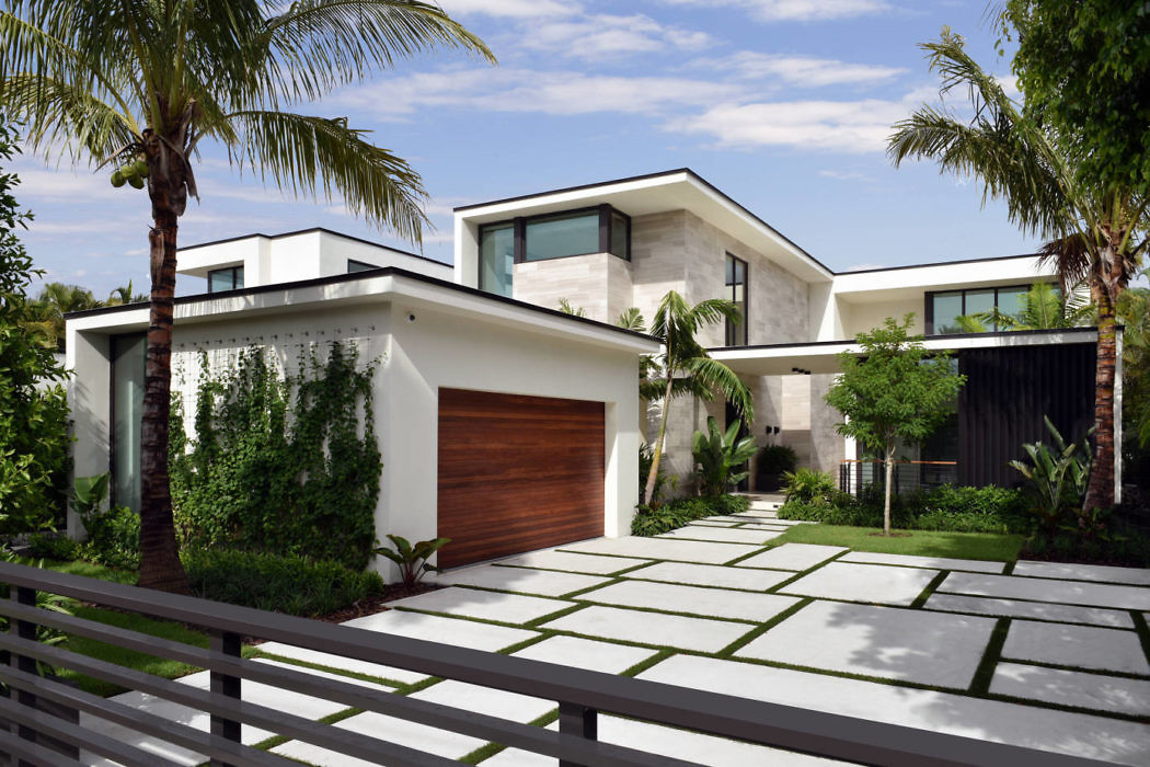 Modern Waterfront Residence in Miami Beach