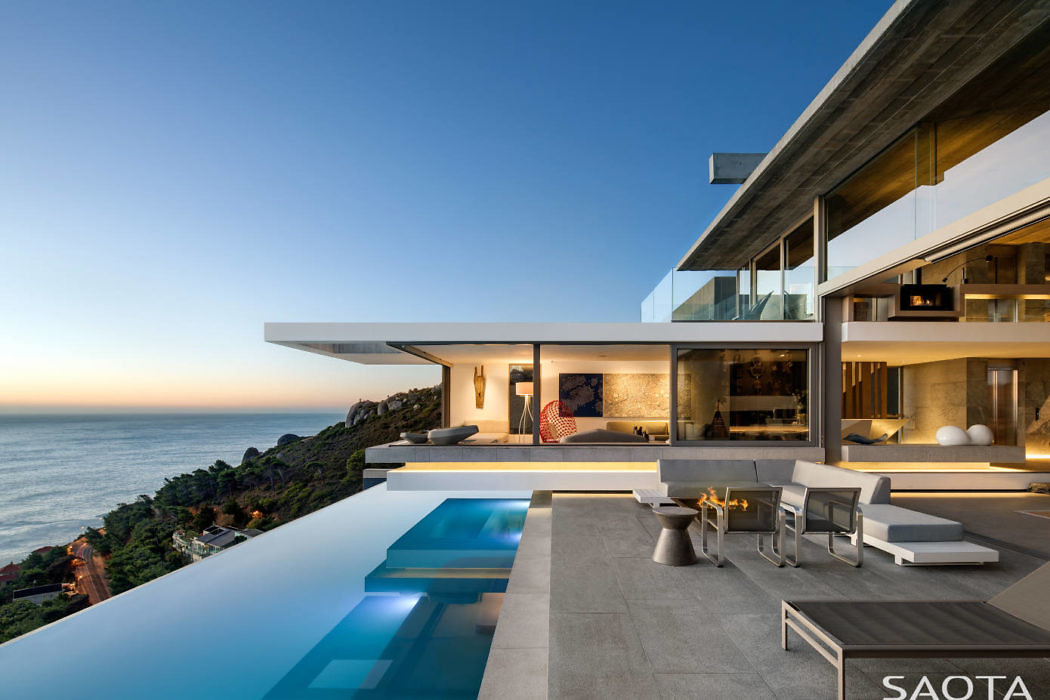 Spectacular Contemporary Seafront Home by SAOTA