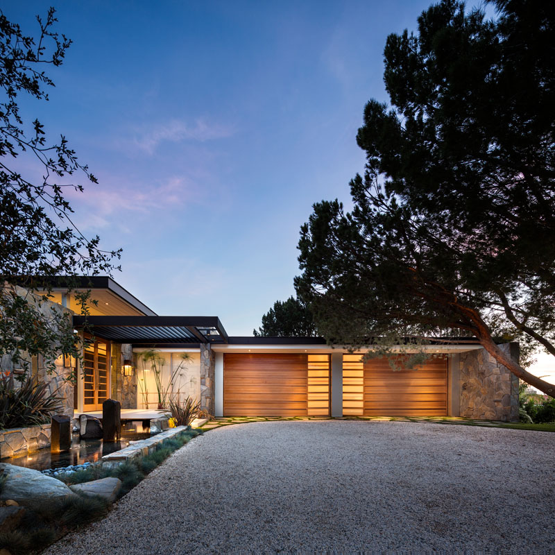 modern-wood-garage-doors-architecture